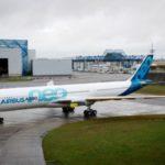 Airbus и Boeing обменялись лёгкими заказами